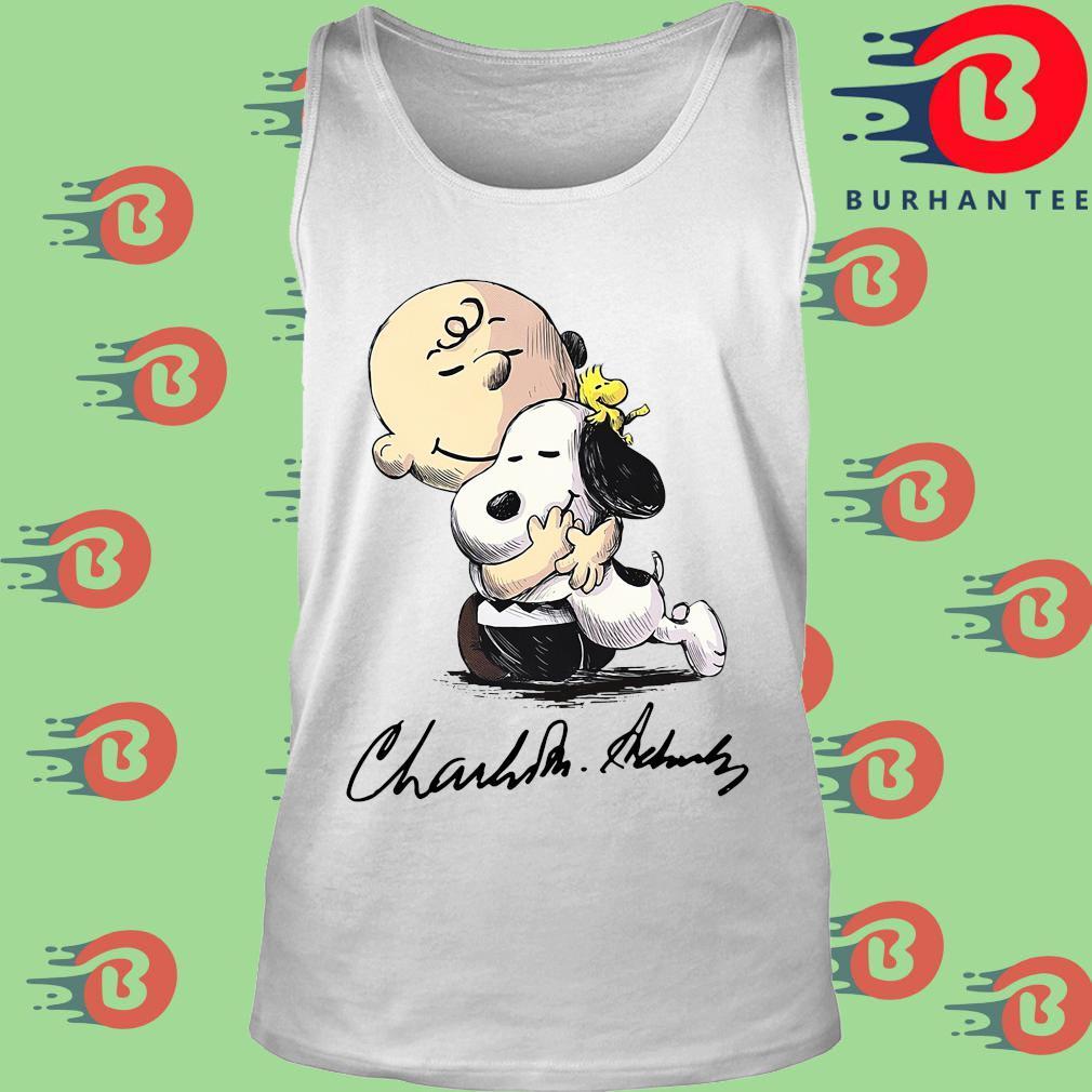 The Charlie Brown Hug Snoopy Signature Shirt trang Tank top